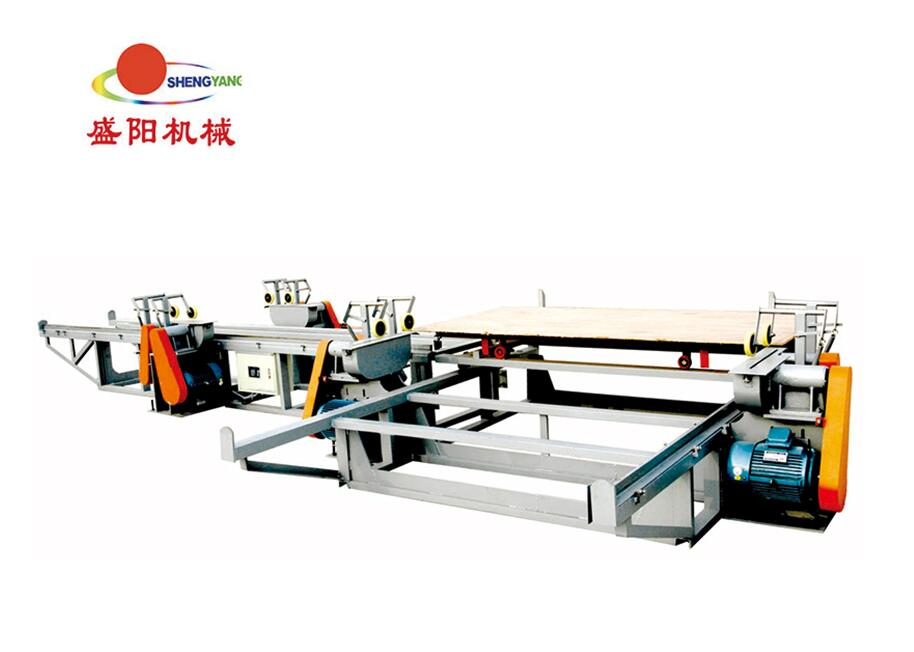 Gluing machine for plywood